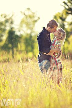 Cute Couples Photos, Love Photos, Couples In Love, Couple Photos, Country Couples, Engagement Couple, Engagement Pictures, Engagement Shoots, Wedding Pictures