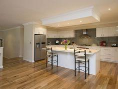 Modern island kitchen design using hardwood - Kitchen Photo 470008