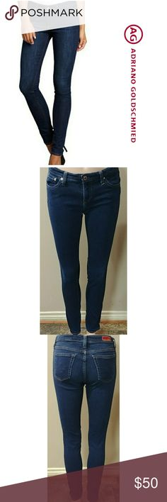 "AG 28x31.5 legging super skinny AG Adriando Goldschmied The legging super skinny fit size 28 with a 31 1/2"" inseam. In great preowned condition, very stretchy jeans. Waist flat is 14 1/2"" and rise is 7 1/2"". First pic is for reference Ag Adriano Goldschmied Jeans Skinny"