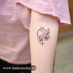 Symbol of Venus Tattoo artist: Grain tattoo artist - Hongik. Piercing Tattoo, Tattoo Femeninos, Symbol Tattoos, Piercings, Band Tattoo, Inca Tattoo, Samoan Tattoo, Polynesian Tattoos, Trendy Tattoos