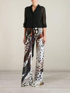 Roberto Cavalli Animal Print Trousers (wear with longer top_ Modest Fashion, Love Fashion, Womens Fashion, All About Fashion, Passion For Fashion, Printed Trousers, Evening Outfits, Animal Fashion, Glamour