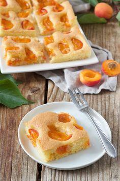 Marillenkuchen – Aprikosenkuchen Apricot cake Recipe – Fruity Apricot cake from the tin – made easy and fast! // Apricot Cake recipe – quicke and easy to make! Healthy Dessert Recipes, Sweets Recipes, Coffee Recipes, Easy Desserts, Baby Food Recipes, Cake Recipes, Apricot Cake, Homemade Cornbread, Baking Tins