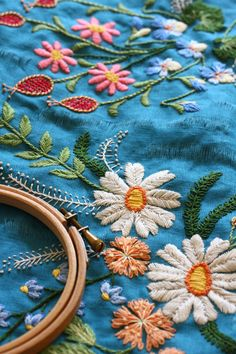 Embroidery inspiration - I love the colours and stitches used here! Feels fresh and garden-y. Embroidery Needles, Embroidery Applique, Floral Embroidery, Cross Stitch Embroidery, Embroidery Patterns, Machine Embroidery, Embroidered Flowers, Diy Bordados, Textiles