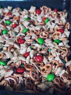 Christmas Crunch | Marry Kotter Christmas Crack Toffee Recipe, Crockpot Christmas Crack, Christmas Cookies Kids, Christmas Crunch, Christmas Breakfast Casserole, Christmas Salad Recipes, Homemade Toffee, Xmas Food, Drinks