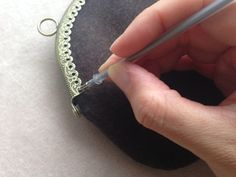 縫いつけがま口 縫い方のバリエーション 3  | cherin-cherin 通信 Purse Patterns, Purses, Bracelets, Fabric, Crafts, Bags, Jewelry, Crochet, Crochet Purses