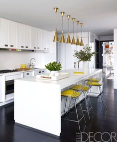 Modern Kitchen Lighting Over island . Modern Kitchen Lighting Over island . 8 Mind Blowing Kitchen Bar Ideas Modern and Functional Small Kitchen Lighting, Kitchen Lighting Design, Kitchen Lighting Fixtures, Light Fixtures, Design Kitchen, Home Decor Kitchen, Country Kitchen, Kitchen Interior, New Kitchen