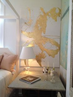 coral and gold bedroom. oooh, yeah @Denise H. H. grant Wenzel could you like paint that for me? or just like throw some gold paint on a canvas? lol. I need some gold up in my bedroom!