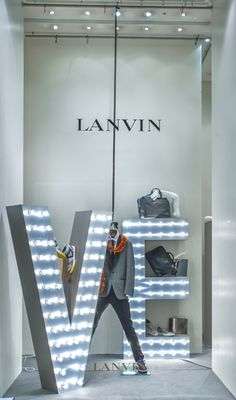 LanvinLanvin Window Display   LOVE
