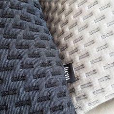 Motifs Textiles, Weaving Textiles, Textile Fabrics, Weaving Patterns, Textile Patterns, Textile Design, Color Patterns, Textile Manipulation, Fabric Structure