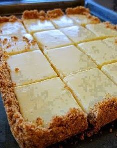 FOR THE CRUST  4 tablespoons butter, melted and cooled, plus more for pan  1-1/2 cup graham cracker crumbs  1/4 cup sugar  FOR THE...