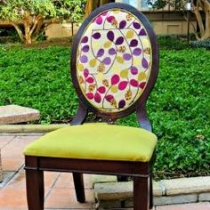 Chair Repair and Reupholstering. Step by step tutorial on how to reupholster and repair dining room chair DIY Dining Chair Makeover, Furniture Makeover, Painted Chairs, Painted Furniture, Refurbished Furniture, Repurposed Furniture, Chair Repair, Reupholster Furniture, Chair Reupholstery