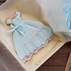 Another cute dress cookie Fancy Cookies, Iced Cookies, Cute Cookies, Cupcake Cookies, Sugar Cookies, Cupcakes, Elegant Cookies, Sugar Cookie Frosting, Royal Icing Cookies
