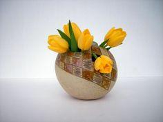 "Osterei ""Caro"" ,Vase aus Keramik - ein Designerstück von beckkeramik bei DaWanda"