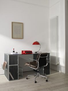industrial style furniture, wire mesh desk