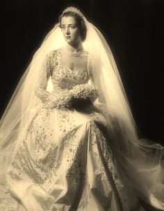 Hon Frances Roche (1954) upon her wedding to Earl Spencer. Mother of Diana Princess of Wales.