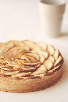 crostata lievitata alle mele renette (rennet apple soft tart)