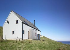 Milovaig - The Wooden House - Rural Design Architects - Isle of Skye and the Highlands and Islands of Scotland Modern Barn, Modern Rustic, Small House Images, Scandinavian Architecture, 2017 Design, Modern Cottage, Wooden House, Architect Design, Sustainable Design