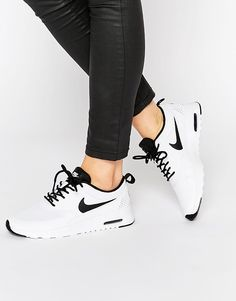 Really really want these!! Black tick Nike Theas