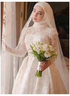#muslim #wedding #dress #hijab #bride #muslimweddingdresshijabbride Hijabi Wedding, Wedding Hijab Styles, Muslimah Wedding Dress, Muslim Wedding Dresses, Dream Wedding Dresses, Wedding Gowns, Muslim Brides, Muslim Couples, Wedding Cakes