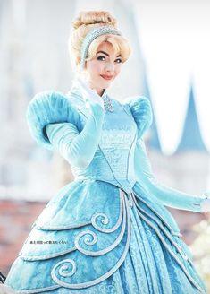 Cinderella #winterwear Cinderella Gowns, Cinderella Cosplay, Disney Princess Cinderella, Disney Cosplay, Disney Costumes, Disney Girls, Disney Love, Disney Magic, Disney Princesses And Princes