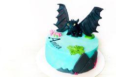 #birthday #dragon #cake #cakes #torta #cakenorell #fondant #topper #howtotrainyourdragon #fondantcake How To Train Your Dragon, Fondant, Cakes, Birthday, Desserts, Food, Recipies, Tailgate Desserts, Birthdays