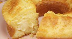 INGREDIENTES 3 ovos 240 mL de leite (1 xícara) 120 mL de óleo (1/2 xícara) 150 g de queijo parmesão ralado 330 g de polvilho doce (3 xícaras) 1 pitada de Sal 15 g de fermento (1 colher de sopa) 240 g de requeijão cremoso (8 colheres de sopa) INSTRUÇÕES DE PREPARAÇÃO Coloque no liquidificador os...