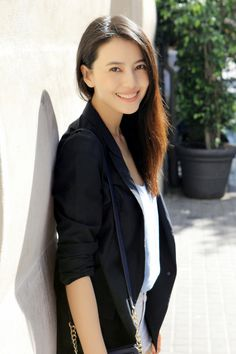 Reasons to love work outfit Ideal Beauty, Asian Beauty, Gao Yuanyuan, Beauty Around The World, Hollywood, Asian Celebrities, Sexy Asian Girls, Asian Ladies, Star Girl