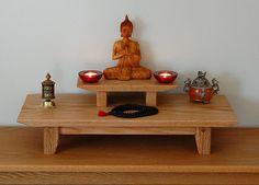 Table en chêne massif dessus méditation sanctuaire avec un socle amovible.