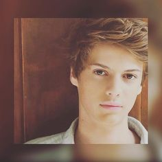 PLEASE OMG STOP IM DEAD AND OMGG YOUR KILLING ME. ❤❤❤❤❤ @jacenorman #jacenorman Real People, Famous People, Jace Norman Snapchat, Henry Danger Jace Norman, Norman Love, Kids Choice Award, Brow Powder, Cute Actors, Future Boyfriend
