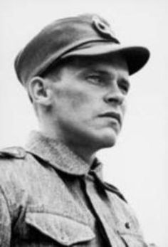 Johannes Hartikainen Hartikainen served as rifleman in JR 34 Infantry Regiment) during the Winter War and fought at Suvilahti and Kollaa in Ladoga Karelia. Night Shadow, Fight For Us, Men In Uniform, German Army, Marines, Ww2, Winter, History, Sailors