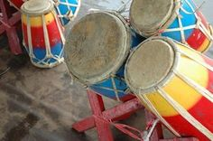 African craft activities for children include making African drums.