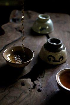 Tea time   선배와 녹차향의 공통점.   korea, korea, korea.