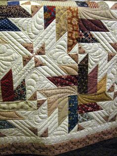 Quilting Together: Summer Quilts. Great use of stitching patterns to highlight piecing pattern. Colchas Quilting, Machine Quilting Patterns, Free Motion Quilting, Quilting Projects, Quilt Patterns, Quilting Ideas, Stitching Patterns, Star Quilts, Scrappy Quilts