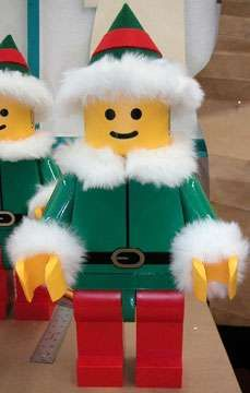 Festive LEGO Creations #Christmas #Decor #Holidays