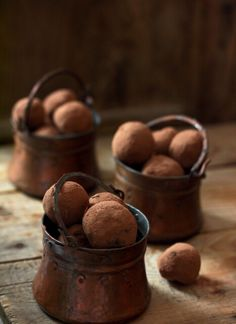 Chocolate truffles in copper pots Death By Chocolate, I Love Chocolate, Chocolate Cherry, Chocolate Lovers, Chocolate Recipes, Chocolate Brown, French Chocolate, Delicious Chocolate, Chocolate Desserts