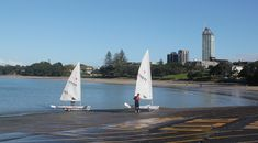 Sailing at Takapuna beach. http://www.mobileappfx.co.nz/takapuna/