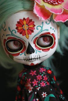 Kat Caro doll.  #skull #skulls  #dayofthedead