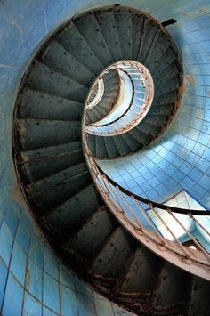 In Natura, Amazing Buildings, Faith In Love, Abandoned Places, Stairs, Abstract, Nature, Photography, Staircases