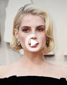 13 Easy Hairstyles for Short Hair – PureWow #easyhairstyles Cute Simple Hairstyles, Easy Hairstyles, Lob, Oscar Hairstyles, Short Hair Styles Easy, Mullets, Grow Out, Pixie Cut, Shaggy