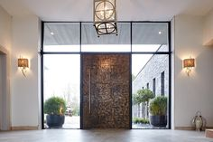 Bronzed and Beautiful - Urban Front - Contemporary Front Doors UK Contemporary Front Doors, Modern Entrance, Modern Front Door, Front Door Design, Front Door Entrance, Entrance Gates, House Entrance, Front Door Decor, Main Entrance