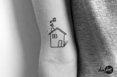 Cute Tiny Tattoos, Small Tattoos, Dot Tattoos, Tatoos, Home Symbol, House Tattoo, Symbolic Tattoos, Body Art, Piercings