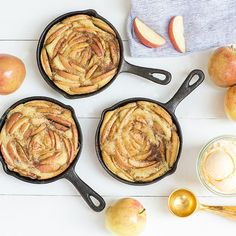 We're dreaming of fall apple picking with these cast iron olive oil and apple cakes! We've made an incredible olive oil cake recipe before and it turned out so good!! So we've slightly altered the recipe, adding pressed apple cider (can't wait to make a trip here again!), and baked sliced apples inside the cake! It …