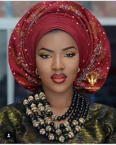 Gorgeous @tiwasayo #asoebi #asoebispecial #speciallovers #wedding #makeoverby @bolalittlenefertiti #asookeby @stylish_trendzz #beadedjewelryby @tavinbeads