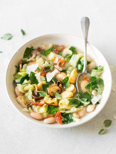 Recept voor Italiaanse groentesoep met paddestoelen en witte bonen