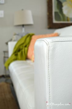cleaning white How to clean white leather furniture easily and gently using home products that wont break the bank. White Leather Furniture, White Leather Chair, Best Leather Sofa, Leather Chairs, White Leather Cleaner, Clean White Leather, Leather Cleaner Couch, Black Leather, Clean Couch