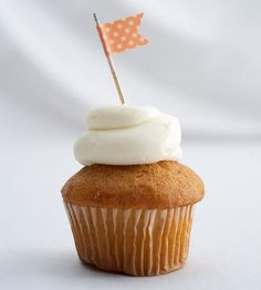 With this flag, I claim this cupcake in the name of deliciousness. -D