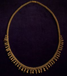 Jewelry Design Earrings, Gold Earrings Designs, Necklace Designs, Gold Jewellery, Jewellery Designs, Gold Chain Design, Gold Bangles Design, Gold Jewelry Simple, Gold Necklace Simple