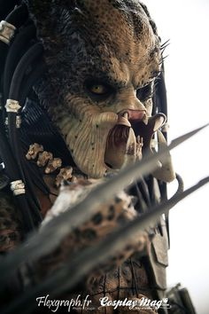 predator- my very favorite alien. I love the hunter fiction. Predator Movie, Alien Vs Predator, Sci Fi Horror, Horror Movies, King Kong, Giger Alien, Xenomorph, Dark Horse, Movie Characters
