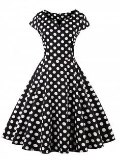 vintage style retro classic black and white polka dot dress Look Vintage, Vintage Style Dresses, Vintage Outfits, Dress Vintage, 50s Vintage, Vintage Black, Look Fashion, Retro Fashion, Vintage Fashion
