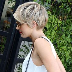 Ticks all the boxes short n sassy. Perfect tousled texture.